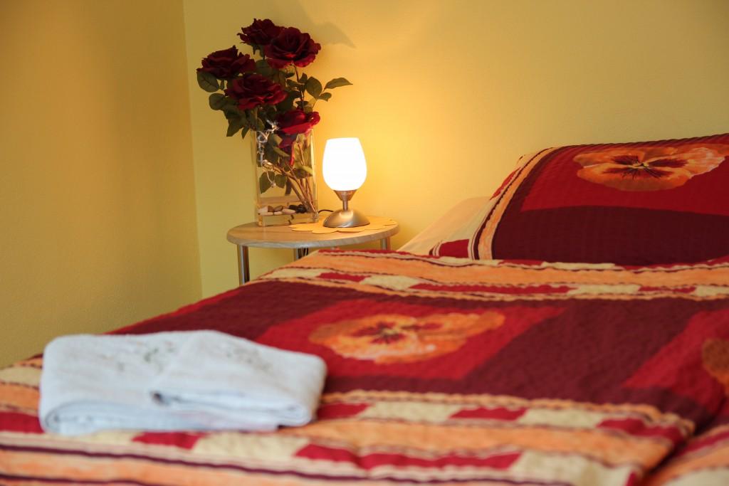 Bett in der Ferienwohnung Eibenstein